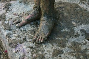 Muddy Feet II by lateris-ventilagium