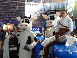 Altair and Vali go farming at gamescom2014 by Azael047