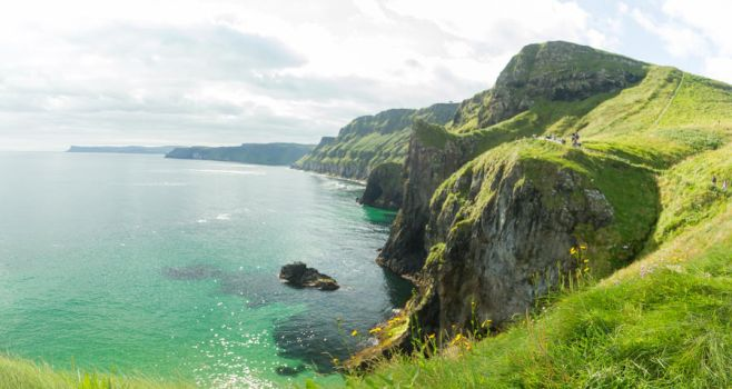 Carrick-a-Rede IV by jvrichardson