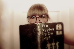 Ten Apples On Top. by cooleoness