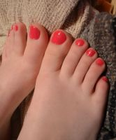 My pink toes. :) by FiveGreensFan