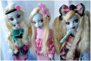 my Lagoona Blue girl gang xD by prettyinplastic