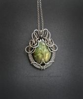 silver pendant with labradorite by nastya-iv83