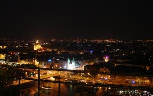 Budapest by night by WhiteIce89