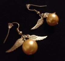 Harry Potter inspired Snitch earrings! by HarryPotterLover1239