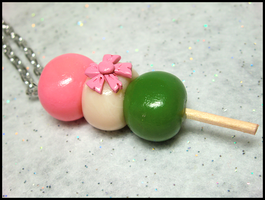 Hanami Dango Necklace by GrandmaThunderpants