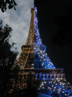 eiffle tower day and night by coffeesong