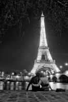 Love on the Eifiel Tower by el1as