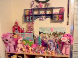 part of my mlp collection by XxTOxiCfoX5555551xX
