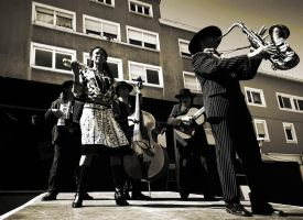 Street Jazz Band by cahilus