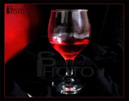 wine glass by sofirok