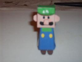 Luigi papercraft by AUSTINMEADOWS