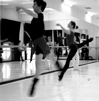 Ballet dancers: fly. by CocoMadamoiselle