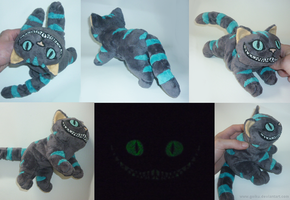 Cheshire cat GLOW - small floppy 2 by goiku
