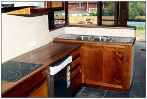 Recycled timber kitchen by beelzebubby