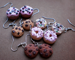 Donuts and Cookies by Kresli