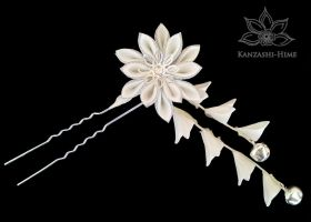 Winter White Kanzashi by Kanzashi-Hime
