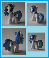 .:DJ Pon-3 - Vinyl Scratch:. by Busoni