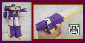 DECEPTICON-SHOCKWAVE-SEASON1-MADE-IN-CARDBOARD by Paperman2010
