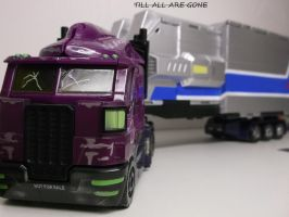 Shattered Glass Optimus Prime by forever-at-peace