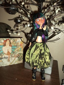 OOAK Monster High Repaint: Cleo 4 by jlaynaeb