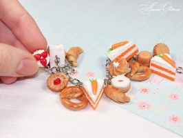 Carrot cake by OrionaJewelry
