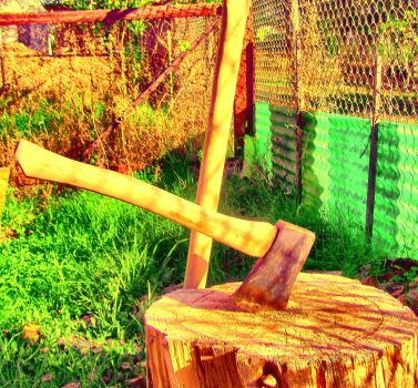 classic axe and spliting maul by HarlandThompson