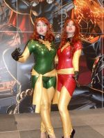 Another shot of the Phoenix twins by nx20