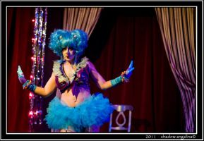 08-11 Klutzy the BiCourageous and Flora Ravage 01 by drowningwoman