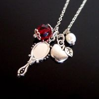 Snow white mirror mirror necklace by yael360