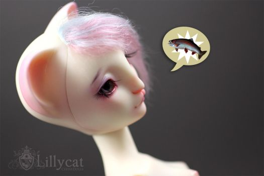 Eugenie wants some fish by Cerisedolls