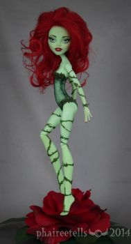 Monster High repaint Venus Poison Ivy by phairee004