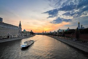 Sundown on Moscow River by xrust