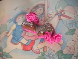Dusted Mini Rose Cakes by hyper-kawaii