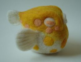 Yellow fugu by Lobster-Ball