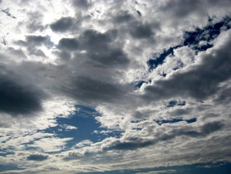 CLouds part1 by xzibitka