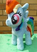Rainbow Dash Plushie by Arualsti