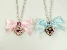 Polka Ribbon Cake Necklace by SweetandCo
