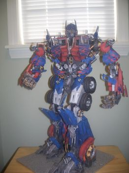 Papercraft Optimus Prime by Arc-Caster135