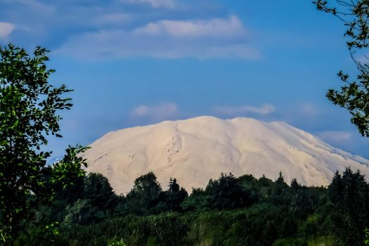 Mount St. Helens by Cblue03
