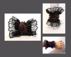 Gothic leather cuff. by julishland