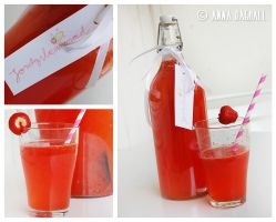 Homemade strawberry lemonade by Happysmitten