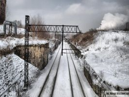 The train is coming by waclawq