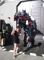 Along Side with Optimus Prime by sonicshadowlover13