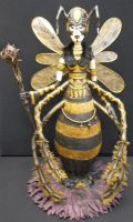 Horror Bee by Gniffies