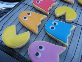 Pacman Cookies by Shrewdy