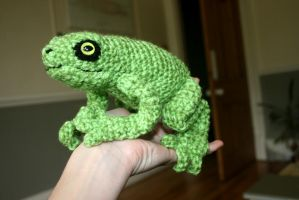 Green frog amigurumi by Soggy-Wolfie