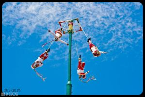 Los Voladores of Papantla by finalredrose