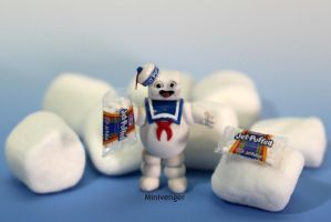 1 inch Stay Puft Marshmallow Man 2 by minivenger