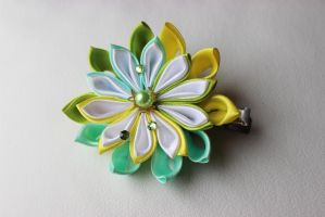 lemon and mint kanzashi by Caellean